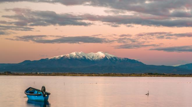 Vue sur le Canigou depuis l'étang de Canet-en-Roussillon
